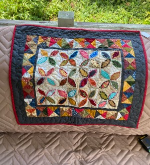 French Knotted Flowers Quilt