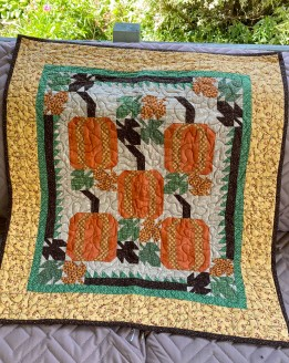 Leaves and Pumpkins Wall/Table Quilt